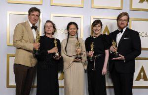 «Земля кочевников» – лучший фильм по версии «Оскар»