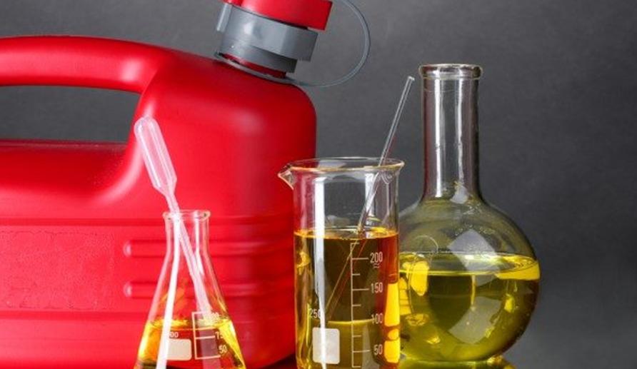 В РФ могут ввести временный запрет на экспорт бензина