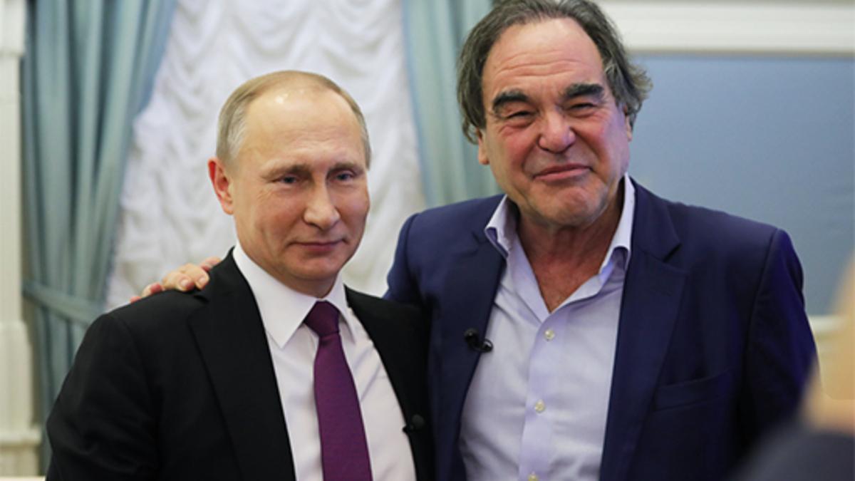 Оливер Стоун: Америка и Европа ведут войну с Россией
