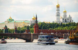 В Москву идет лето