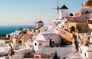 Греция согласно принимать российских туристов, вакцинированных «Спутником V»