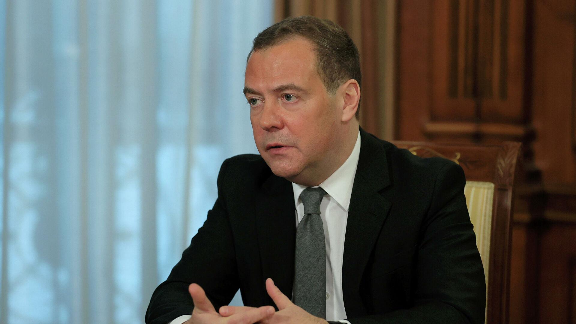 Медведев: мир должен отказаться от «вакцинного национализма»