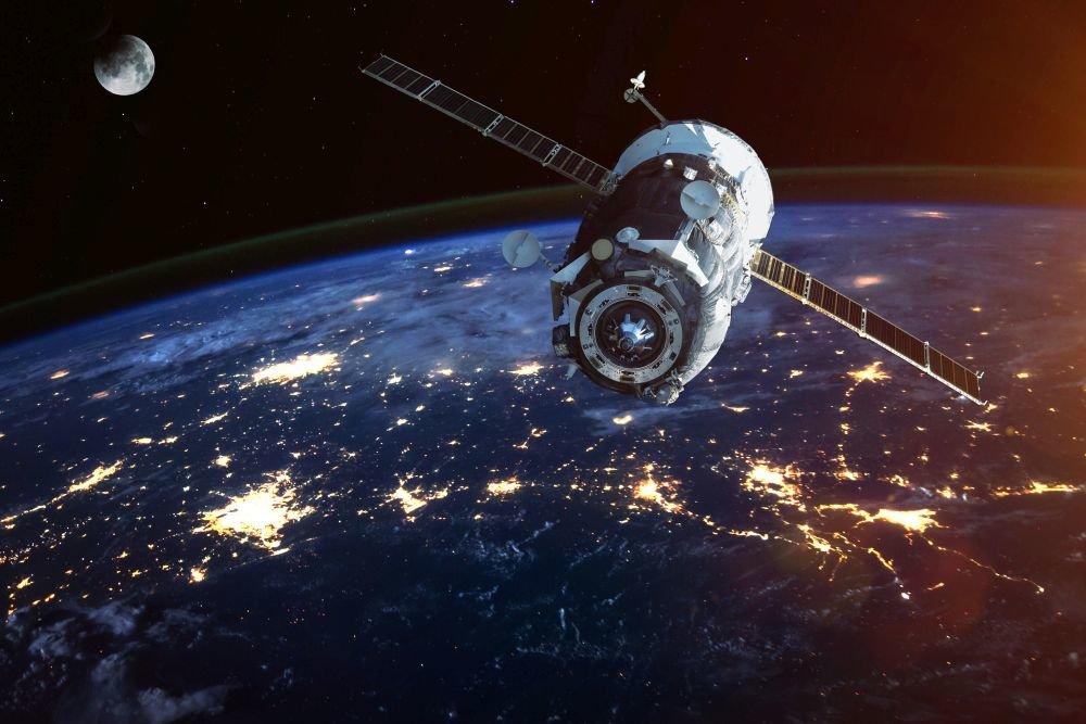 Глава космических сил Америки заявил, что КНР и РФ разработали новое противоспутниковое оружие