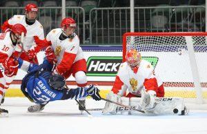 Сборная России по хоккею вышла в финал ЮЧМ-2021