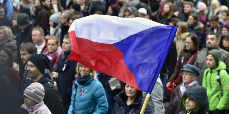 Чехия планирует потребовать у России около 40 млн долларов в качестве компенсации за взрыв во Врбетице
