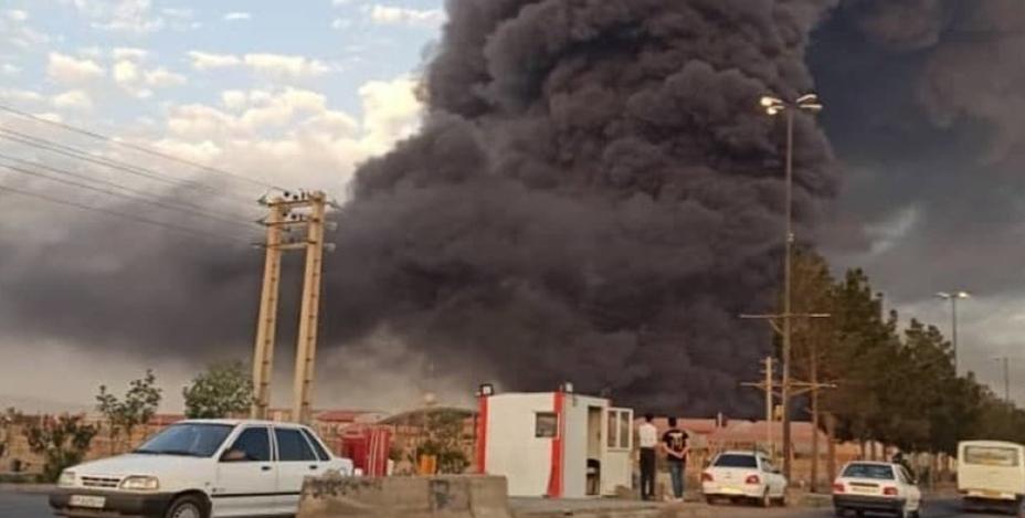 Девять человек пострадали при взрыве на химическом заводе в Иране