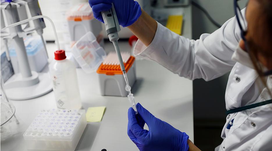 В Роспотребнадзоре сообщили, что вакцинация от COVID-19 может стать сезонной