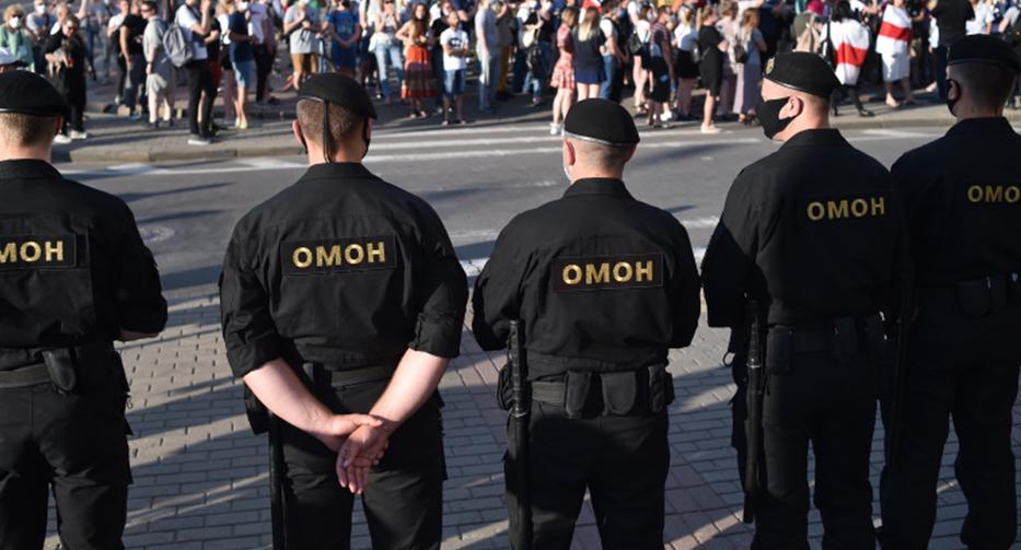 В Белоруссии более 20 человек задержали за оскорбление погибших пилотов