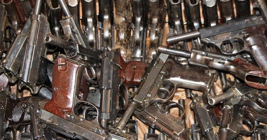 ФСБ провело масштабную операцию: в регионах обезврежены около 100 подпольных оружейников