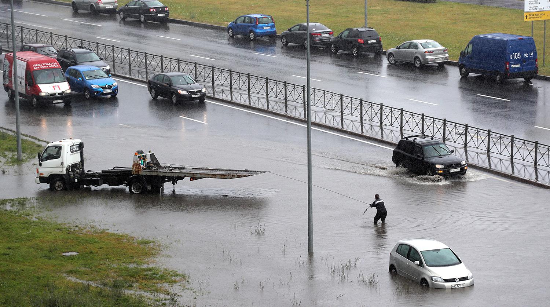 В пятницу Санкт-Петербург накроют дожди и грозы