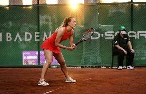 Российское посольство в Париже принимает меры по защите теннисистки Сизиковой