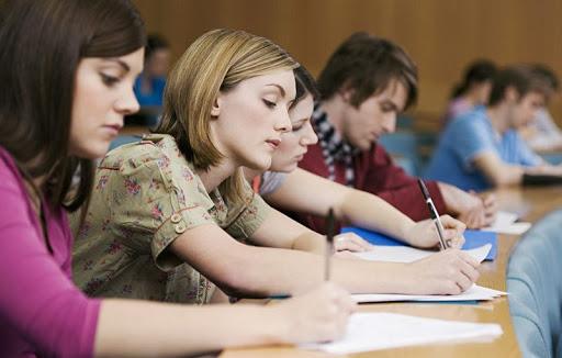 Студентка в Ставропольском крае скончалась прямо во время экзамена