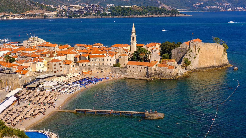 Россияне могут ездить в Черногорию без ПЦР-тестов