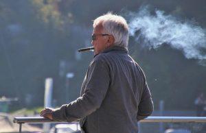 Британский пенсионер болел коронавирусом 10 месяцев
