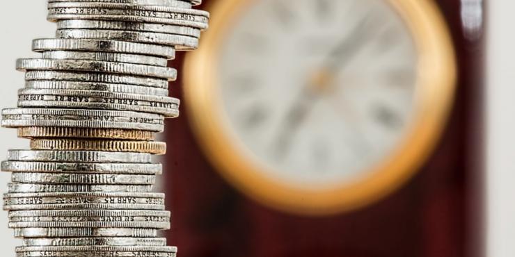 Кредиторам запретили списывать долги из суммы минимального дохода граждан