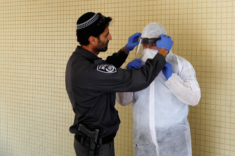 Израиль ужесточает антикоронавирусные меры в связи с ухудшением ситуации