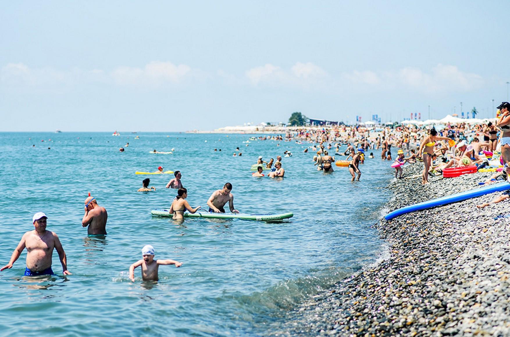 Ростуризм просит Краснодарские власти разрешить туристам посещать курорты по ПЦР-тесту
