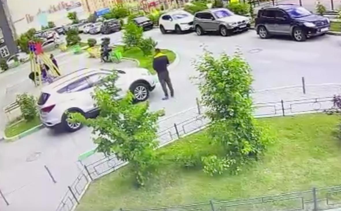 Сломанные качели стали причиной нападения мужчины на 13-летнего мальчика в Новосибирске