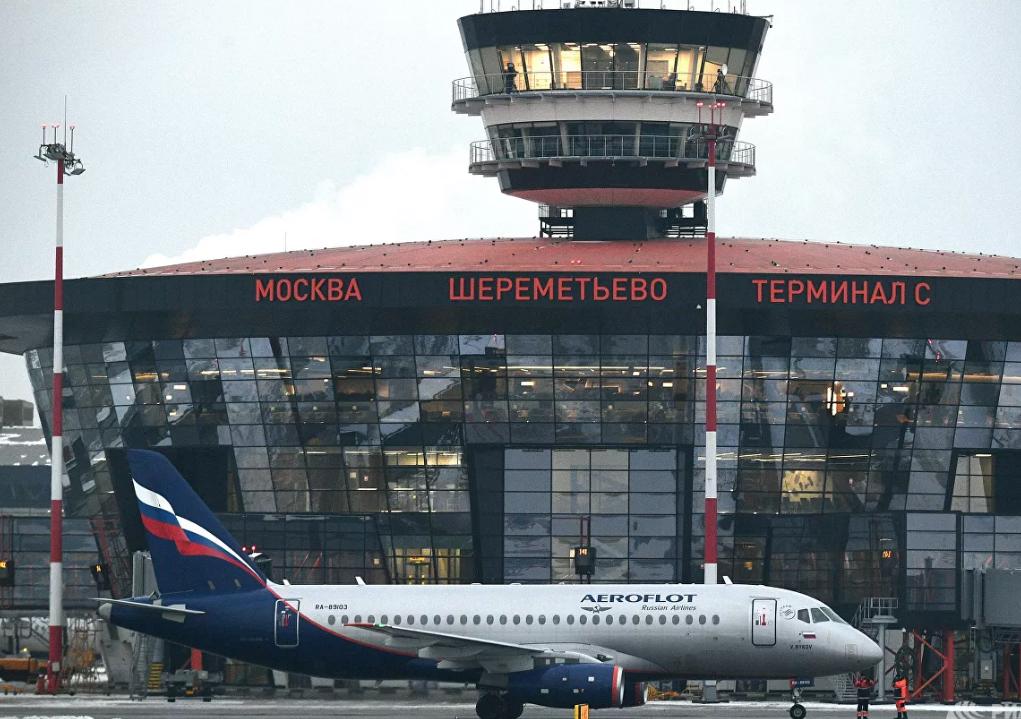 Жители подмосковных городов подали жалобы на постоянно летающие самолеты