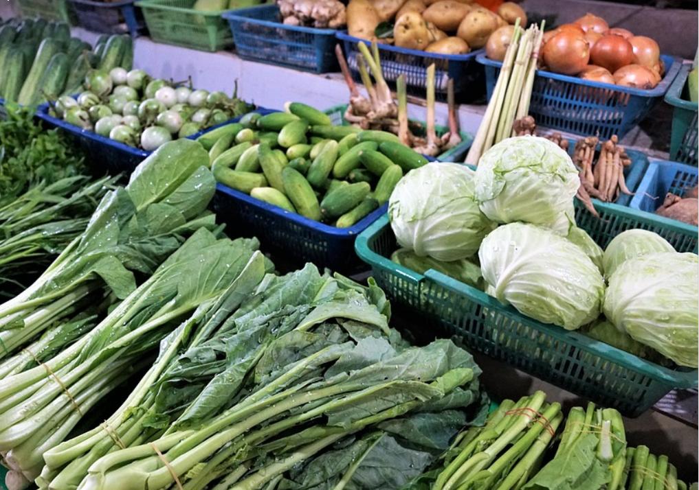 Магазины и торговые сети обяжут снизить цены на сезонные овощи