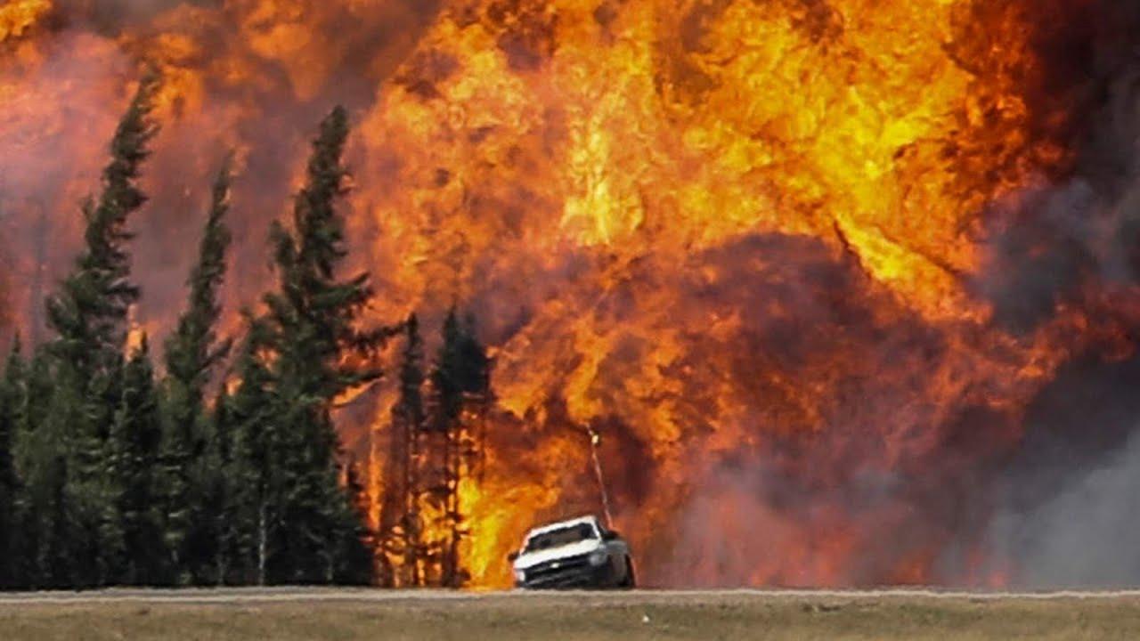 Пожары привели к чрезвычайной ситуации на западе Канады