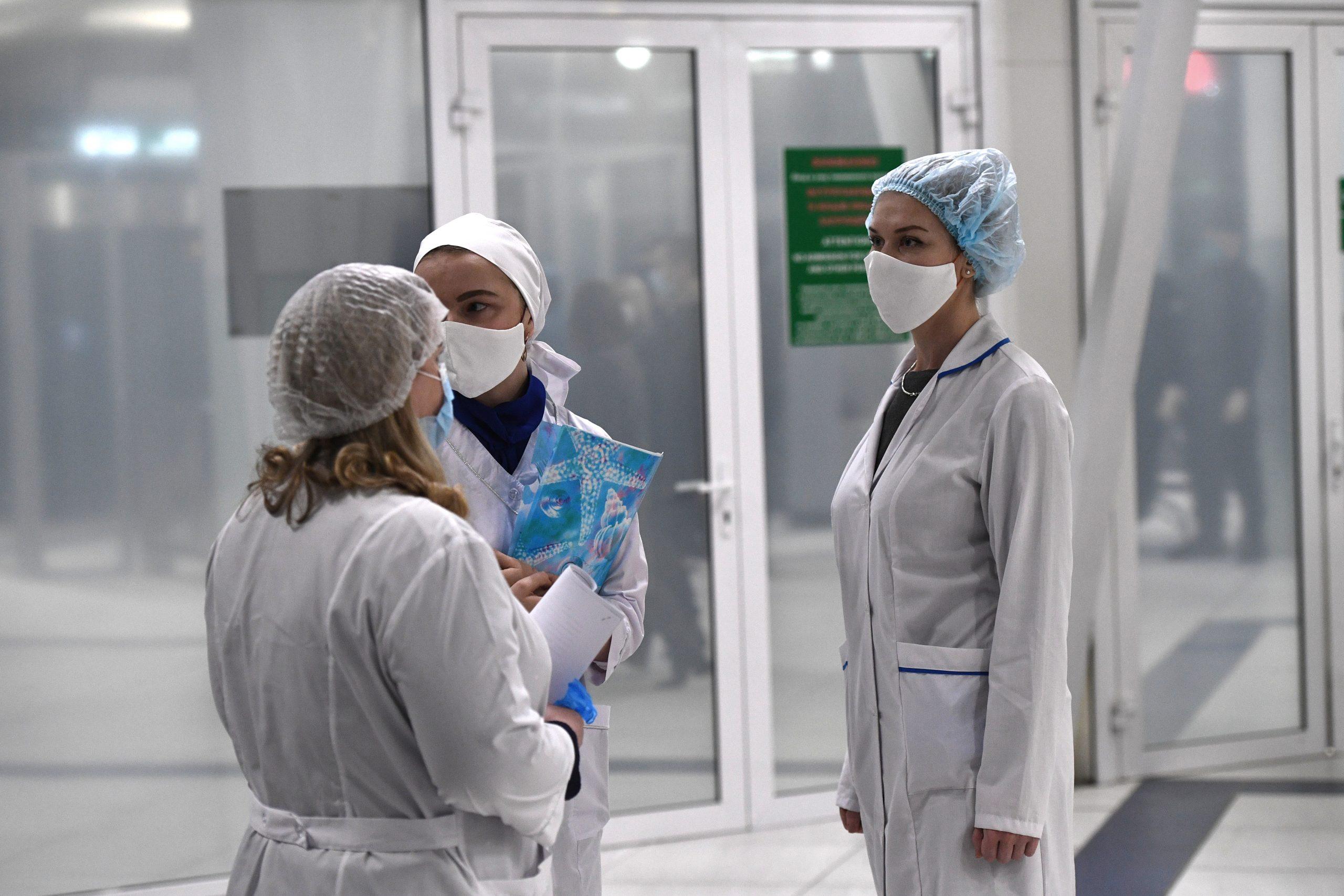 В Петербурге побили февральский рекорд по росту заболевших COVID-19