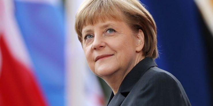"""Меркель заявила, что транзит газа через Украину сохранится после запуска """"Северного потока-2"""""""