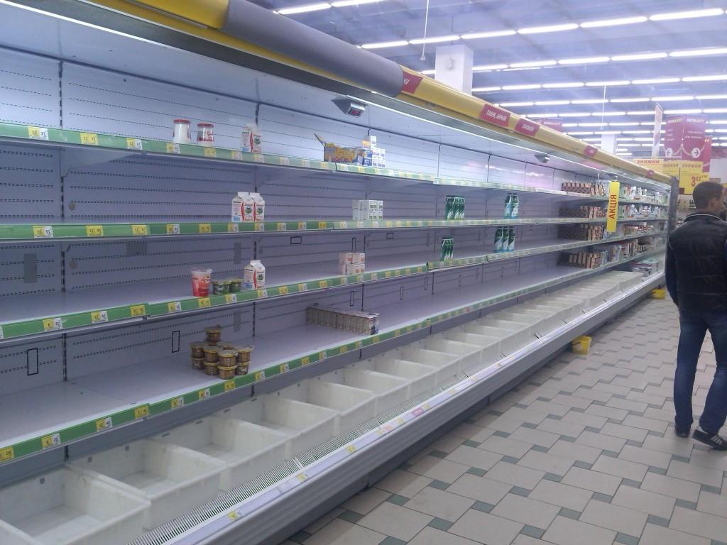 Россиян пугают пустыми полками в магазинах