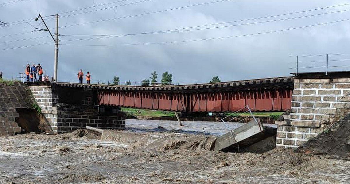 На Транссибе обрушился железнодорожный мост