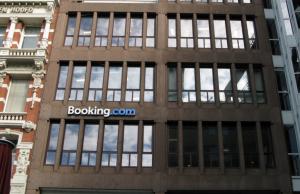 Booking.com оплатит 1,3 млрд рублей штрафов за навязывание гостиницам собственных условий