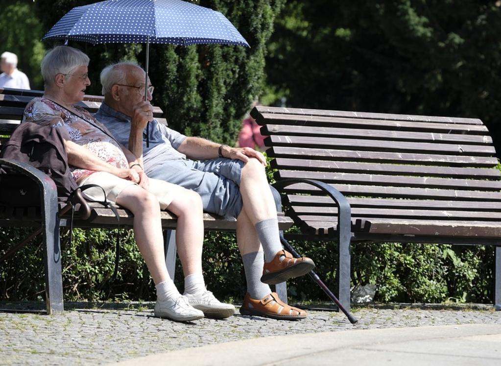 Большая часть россиян не собирает работать до пенсии