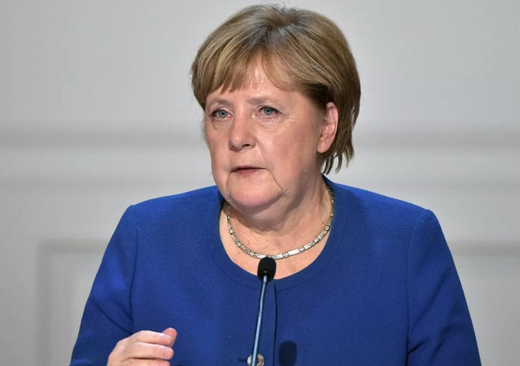 Меркель определилась с датами летних визитов в Россию и Украину