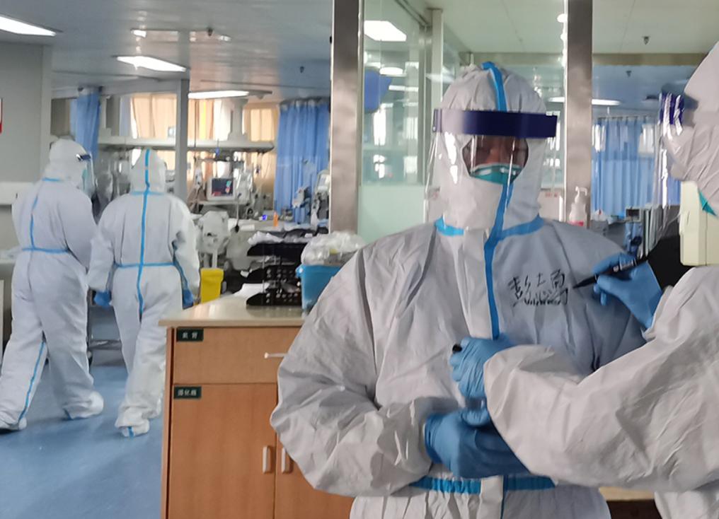 Инфицирование коронавирусом одного человека происходит до десяти раз за год