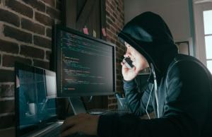 Хакеры выставили на продажу более миллиона паспортных данных клиентов Oriflame