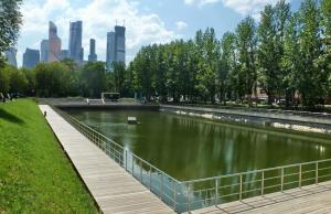 В Москве завершено благоустройство 12 водоемов