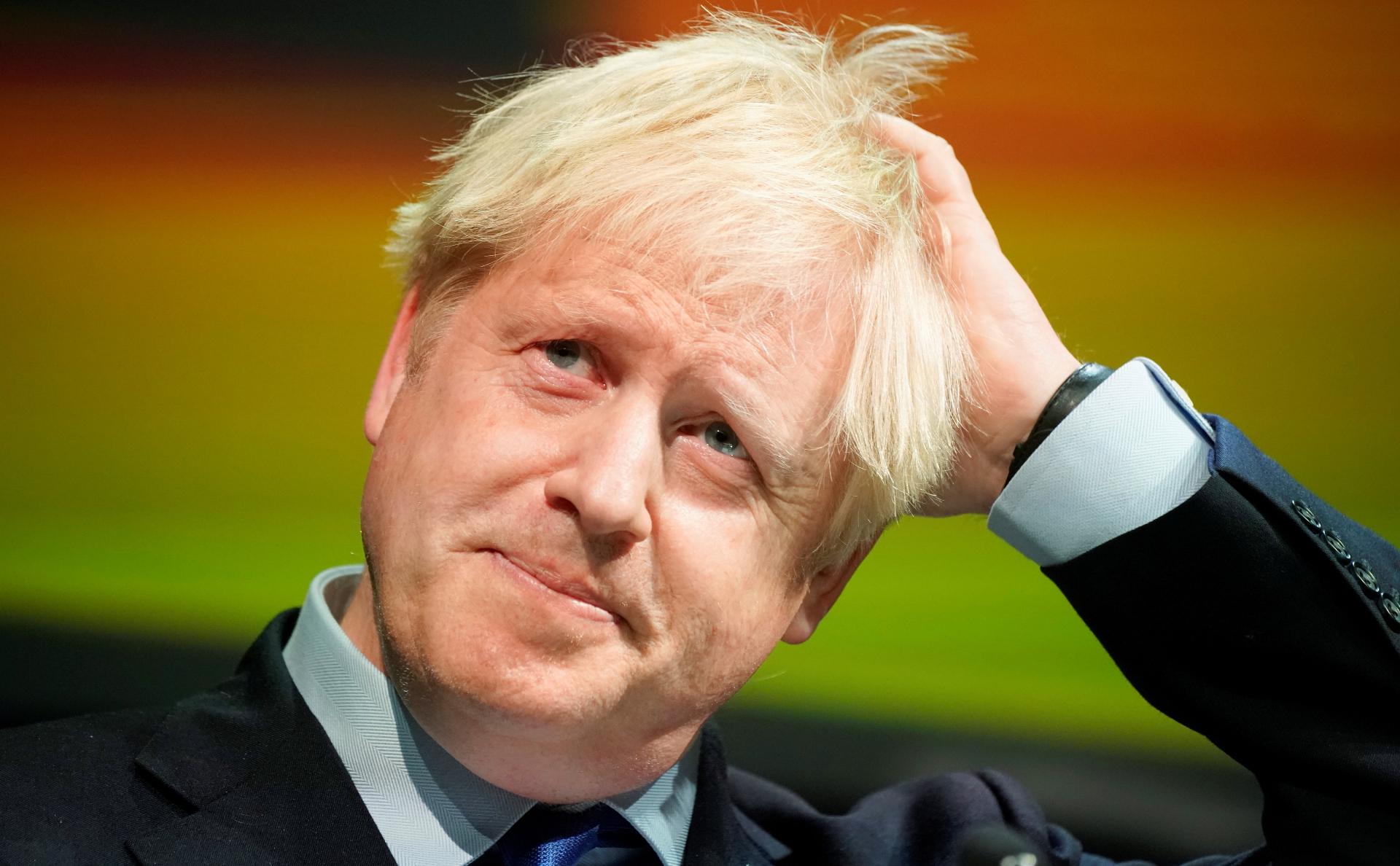 Премьер-министра Британии обвинили в пренебрежении правилами безопасности