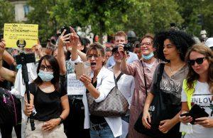 Во Франции продолжаются протесты против ужесточения антикоронавирусных мер