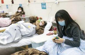 Пандемия COVID-19 не сбавляет обороты: Китай заявил, что пока невозможно остановить распространение вируса
