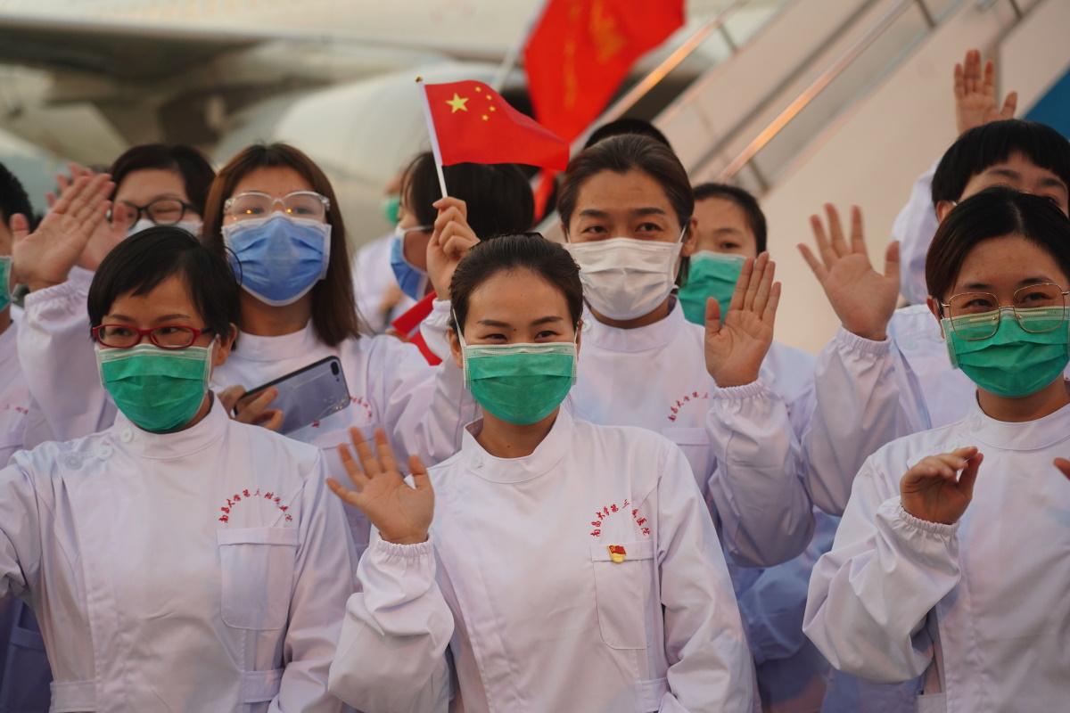 В Китае заявили, что в стране приостановлено распространение коронавируса