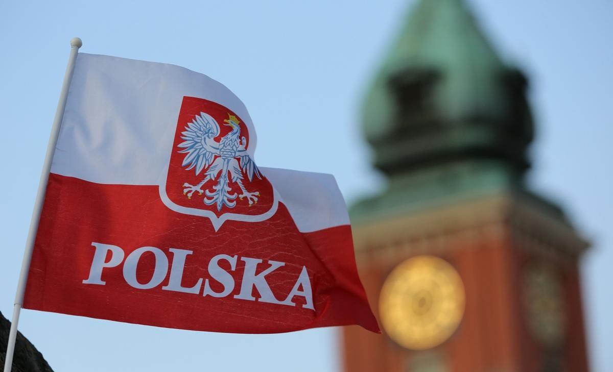 Польша заявила о начале четвертой волны COVID-19 в стране