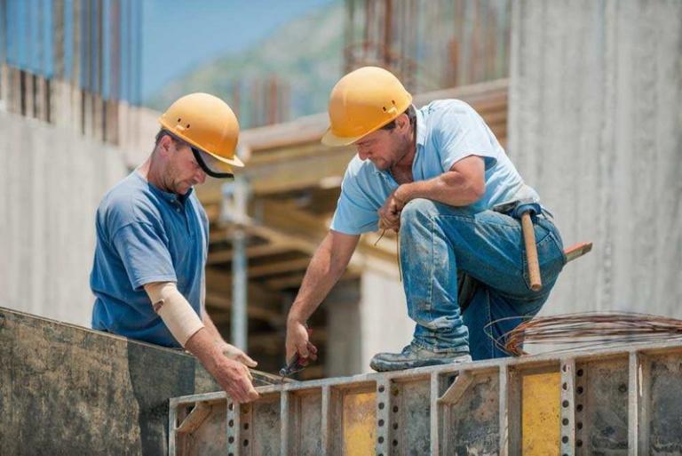 Зарплаты низкоквалифицированных рабочих выросли из-за коронавирусных ограничений