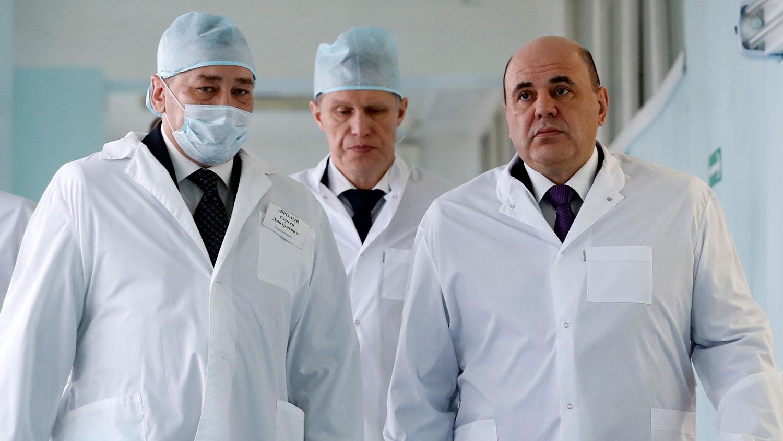 Кабмин выделил почти 8 млрд руб. для выплат медикам, которые участвуют в вакцинации