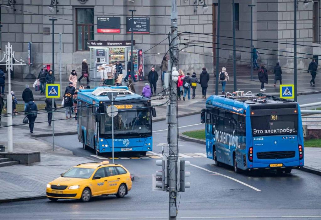 В общественном транспорте Москвы на пассажиров без масок будут оформлять электронный протокол нарушения