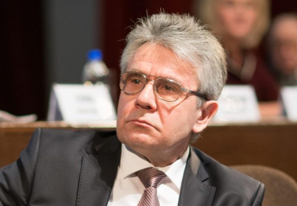 Глава РАН призвал рассмотреть возможность выращивания в России конопли