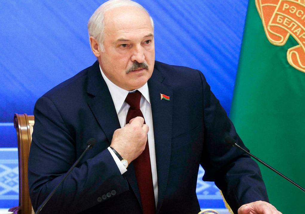 Лукашенко раскрыл подробности поставок вооружения из России