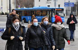 Масочный режим следует сохранить до Нового года как минимум – эпидемиолог Покровский