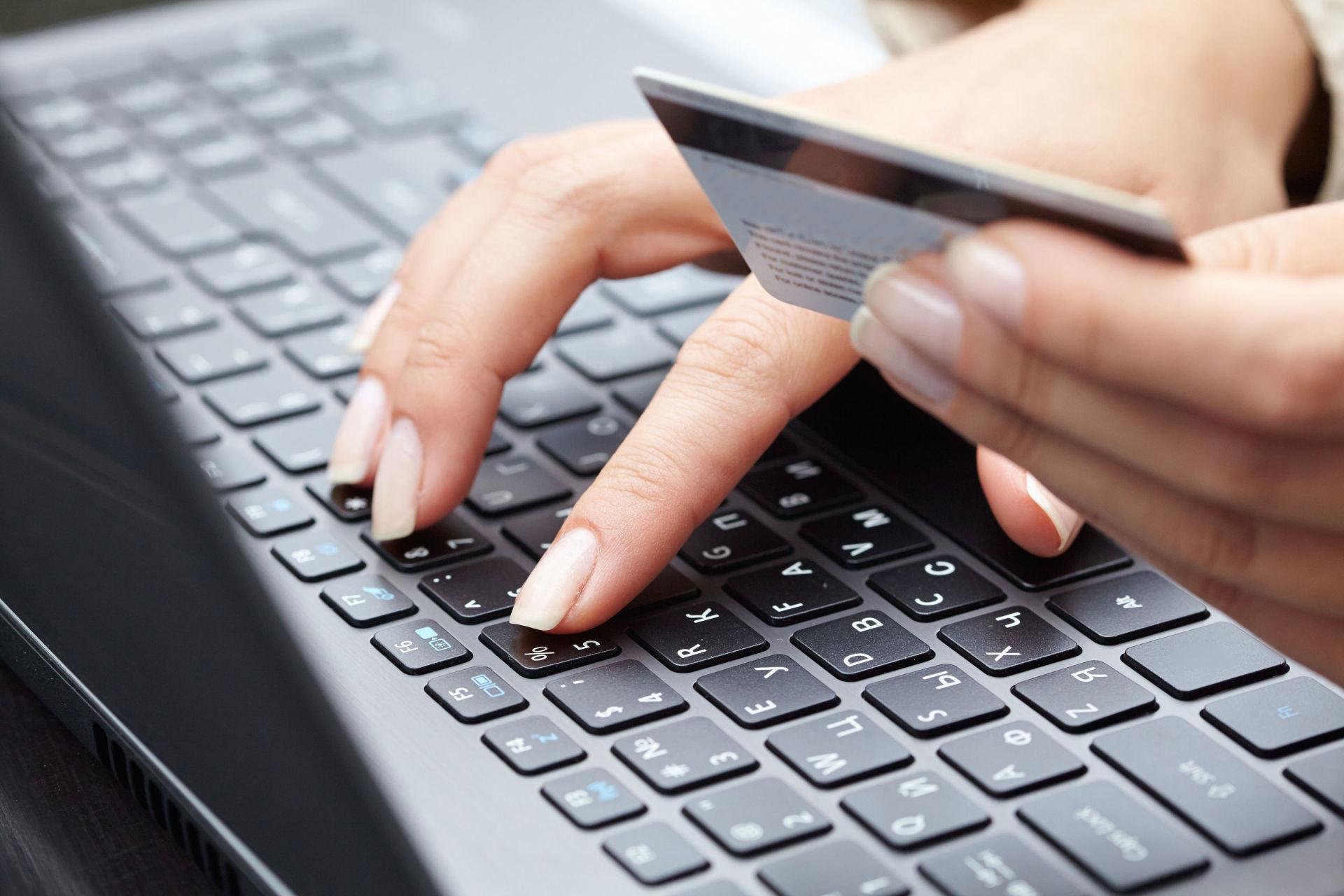 Злоумышленники используют для краж банковские мобильные приложения