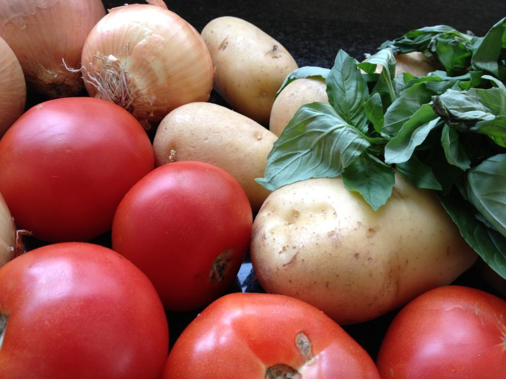 В всех регионах России наблюдается рост цен на сезонные овощи