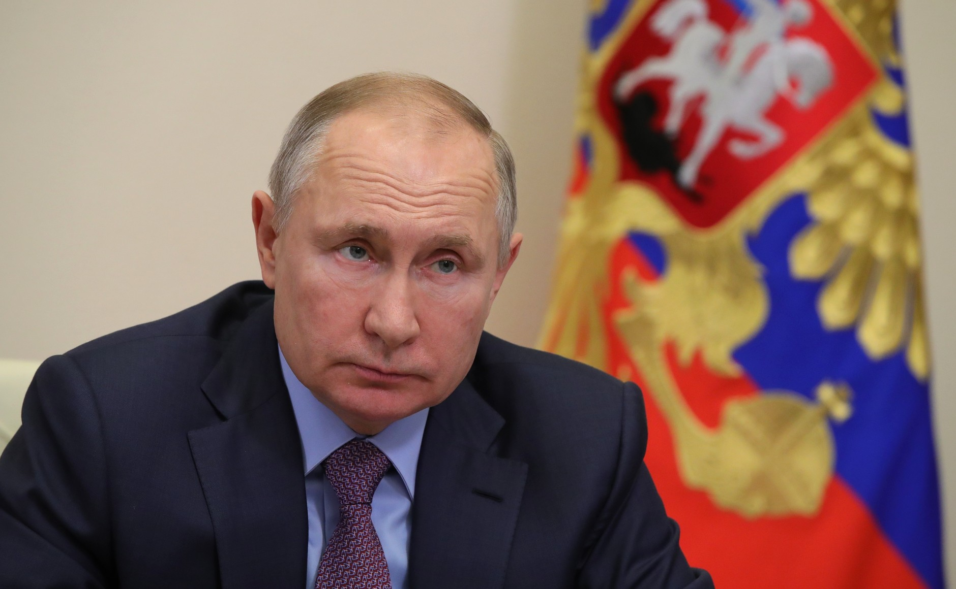 Путин поручил рассмотреть возможность дополнительной поддержки граждан