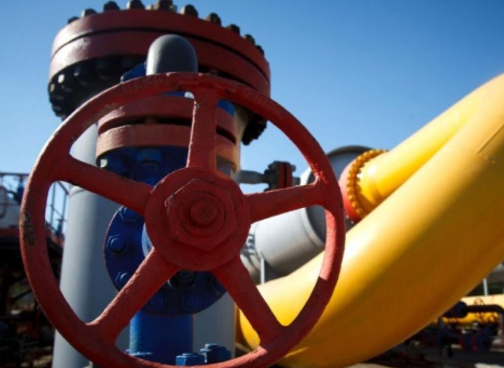 Кризис вынудил Украину к отбору газа из ПГХ до начала отопительного сезона